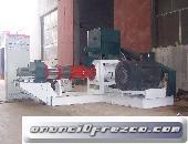 a)Extrusora para pellets flotantes para peces 1800-2000KG/H 132KW