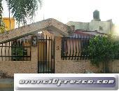 Casa en venta con local comercial en Lomas de Cortes