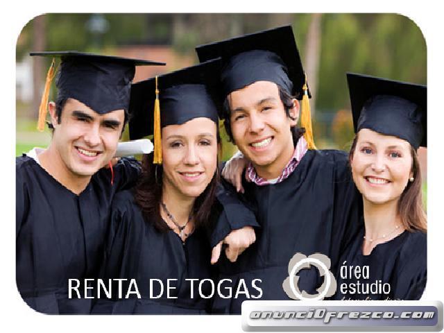 RENTA DE TOGAS Y BIRRETES